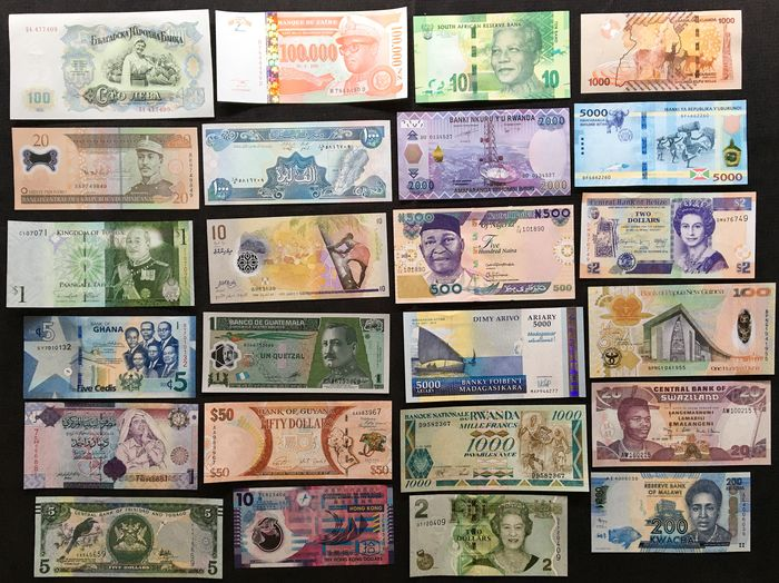 World - 24 Different banknotes