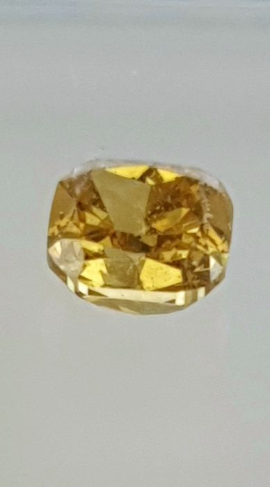 1 pcs Diamond - 0.32 ct - Cushion - fancy intens yellowish brown - VS2