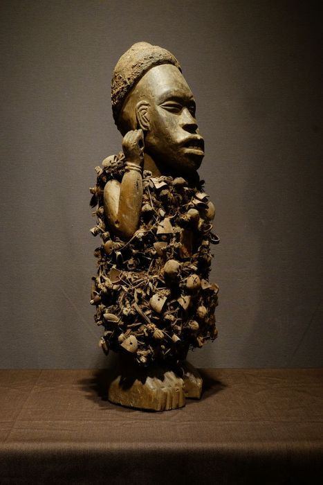 Figure - Seeds, Wood - Decorative Nkishi-NO PRICE RESERVE - Bakongo - Congo DRC