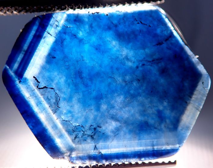 Very Rare Trapiche Blue Sapphire Crystal Untreated / Unheated 12,570ct - 19.44×18.73×2.18 mm - 2.514 g