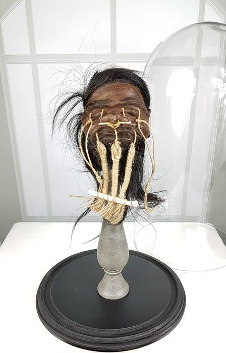 Superb Replica Jivaro Shrunken Head Totem on stand, under extra large Glass Dome - Homo replicans - 48×26×26 cm