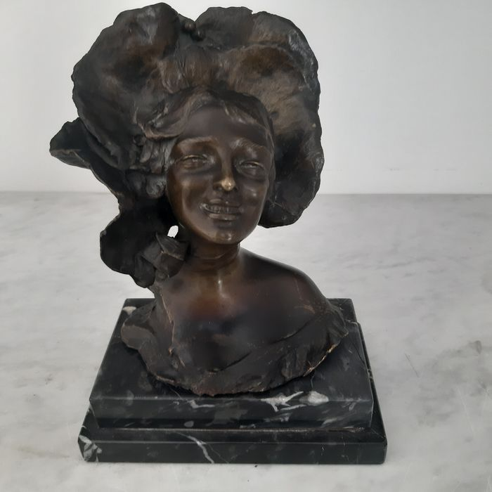 "Dal modello di Giuseppe Renda - Sculpture, ""Girl's head"" - Bronze - Mid 20th century"