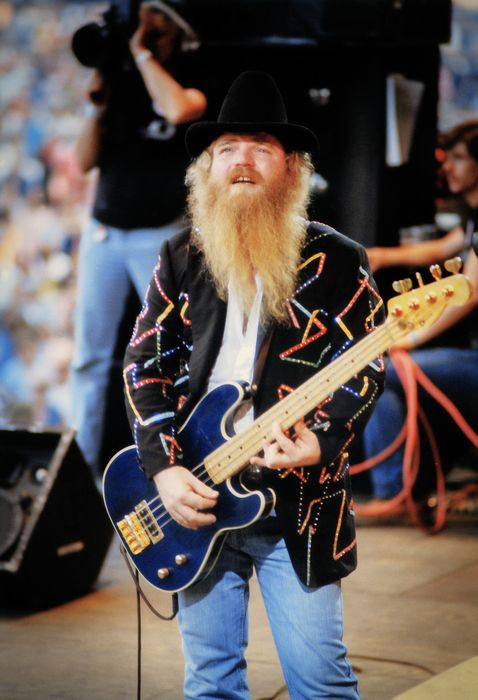 Robbert Frank Hagens - Tears of Happiness - Dusty Hill of - Catawiki