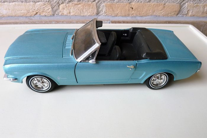 Revell - 1:8 - Ford Mustang 1965