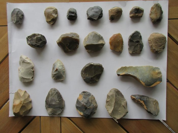 Prehistoric, Paleolithic Flint exclusive tools from the Mousterian + young Paleolithic - 80×40×40 mm - (22)