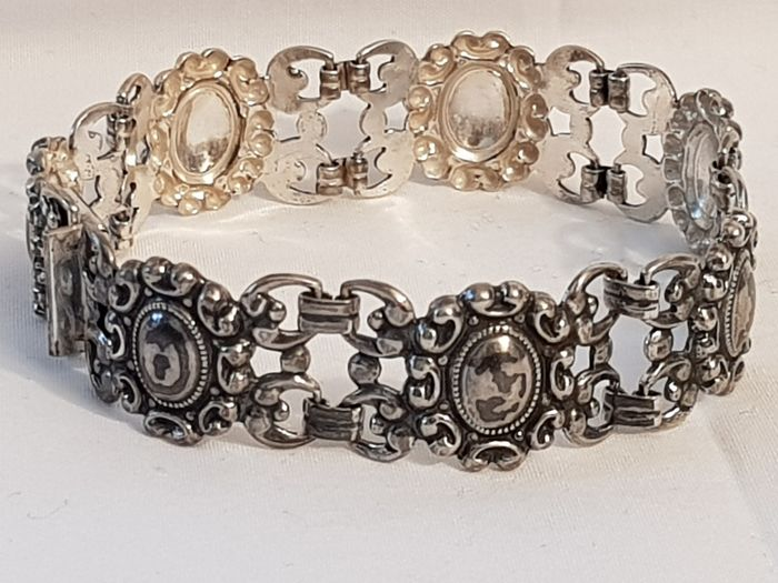 835 Silver - Heavy silver wide ladies bracelet, Vintage from the 1960s.