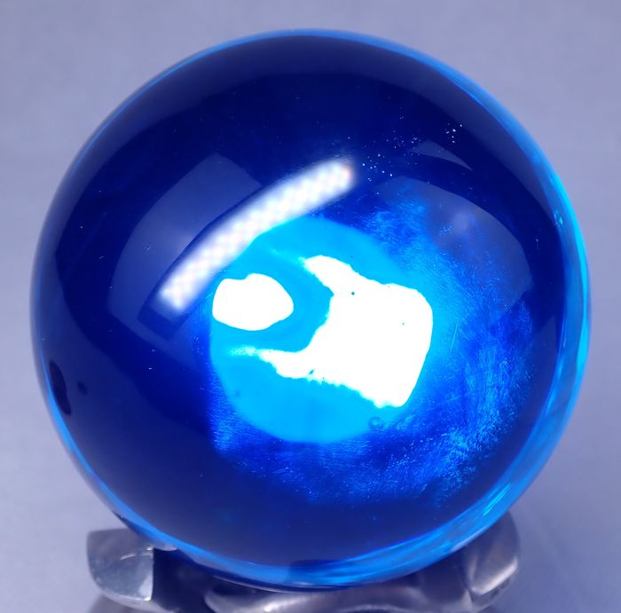 Very rare transparent blue obsidian glass Sphere - 60.89×60.89×60.89 mm - 298 g
