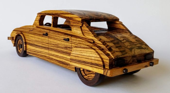 Models / toys - Citroen DS 21 1972 - Gurrado automotive art