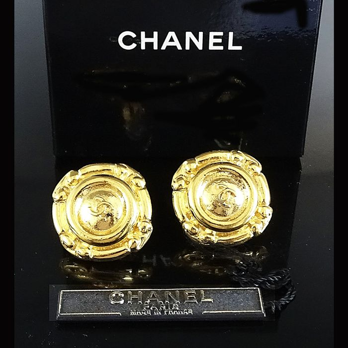 Chanel - CC Logo Gold Plated Earrings