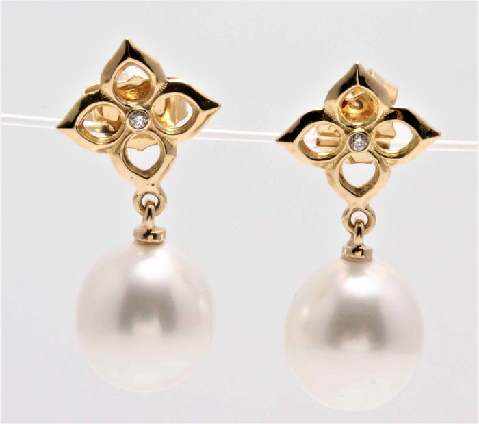 United Pearl - 14 kt. Yellow Gold - 10x11mm Lustrous South Sea Pearls - Earrings - 0.02 ct