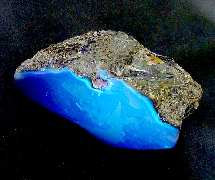 Amber Blue, High Quality, Partially Polished - 130×73×70 mm - 356 g