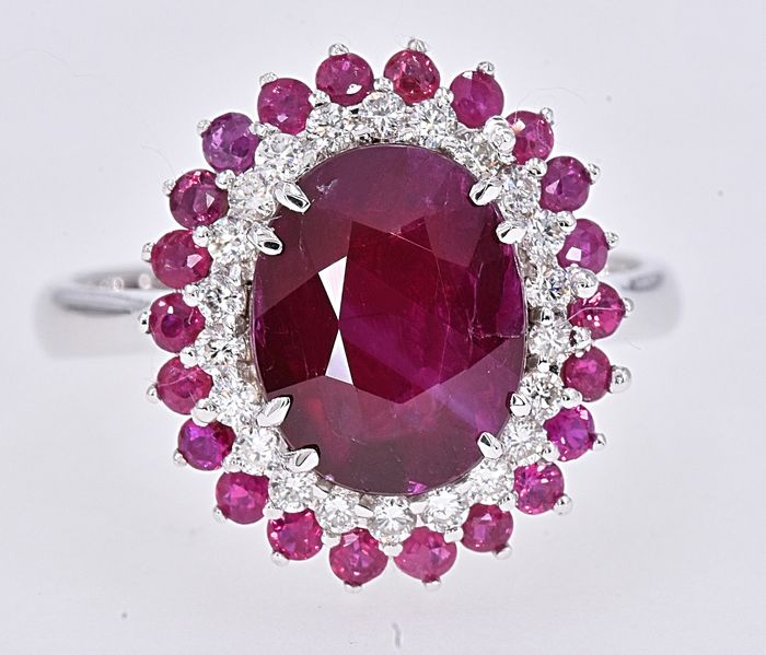 18 kt. White gold - Ring - 4.06 ct GIA Unheated Ruby - Diamonds, Rubys