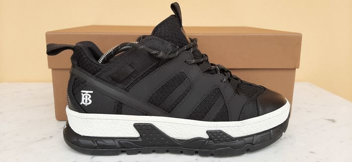 Burberry - MESH NUBUCK UNION BLACK Sneakers - Size: IT 41.5, UK 7.5, US 8.5