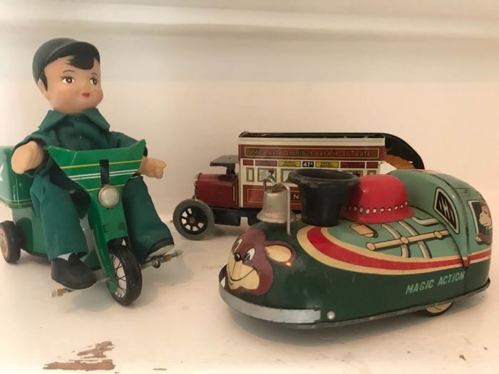 modern toys, paya - MF969 pizza delivery, bus and magic action - 1960-1969 - Japan, China, Spanje