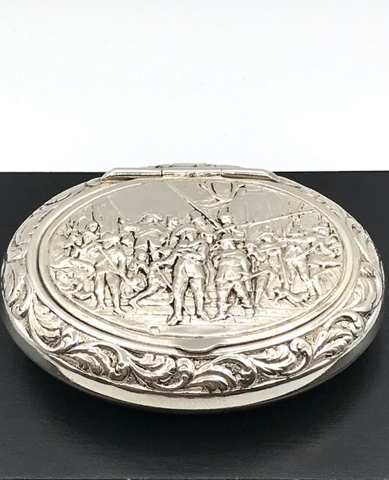 fa. de Leeuw den Bouter Schoonhoven 1965 - Large silver Pill box with an image of the Night Watch - Silver