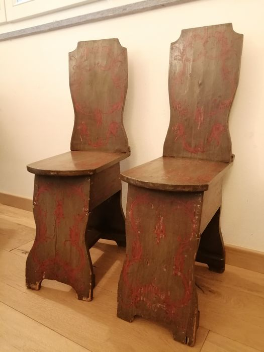 """Two Tyrolean """"stool"""" stool from the first half of the 1900s - Wood"""