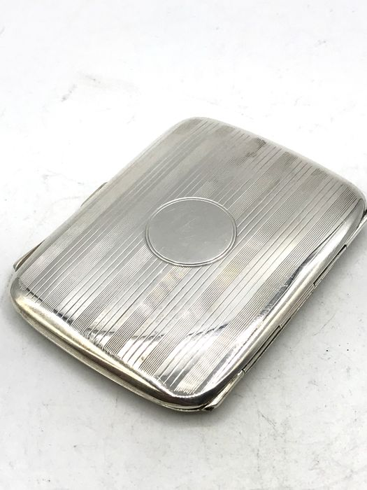 Birmingham 1924 - Completely crafted antique silver cigarette box with gold-plated inside - Silver