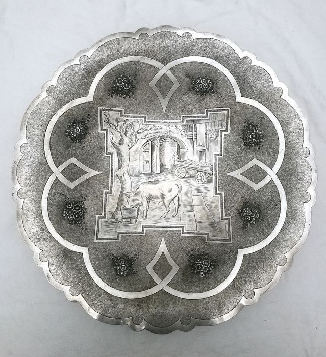 Large Parade Plate - .800 silver - Mario Buccellati - Italy - First half 20th century