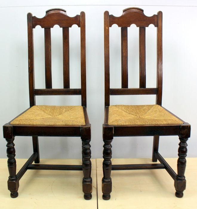 Pair of wicker sitting dining room chairs - Wood- Oak, Reed