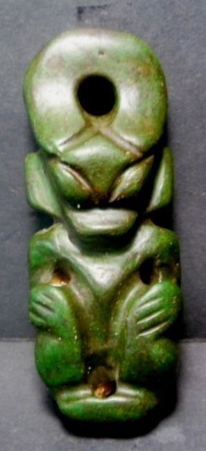 Mythological idol Carving is Hongs Han dynasty style. (1) - Jade - China - 20th century.Weight: 83 grs.