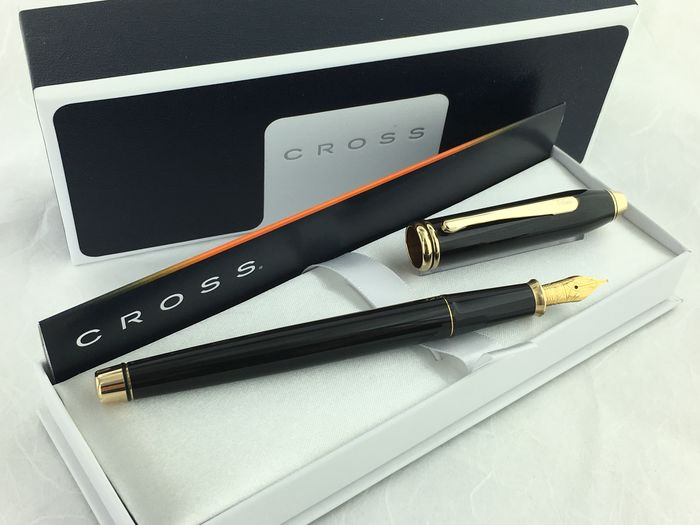 Cross - Townsend Lacquer Black Fountain Pen