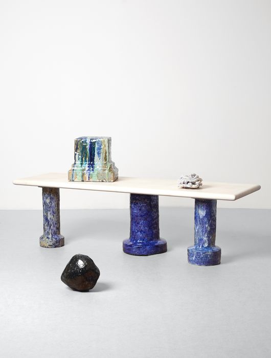 Elena Gileva - Coffee table with glazed ceramic legs and a sycamore wood table top - 7 kg