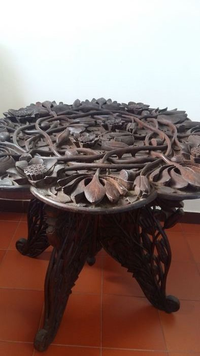 Coffee table (1) - Hardwood - deeply carved with Flowers - Asia - mid 20thc
