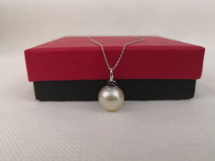 14 kt. South sea pearl, 12.00 mm - Necklace with pendant - Sapphires
