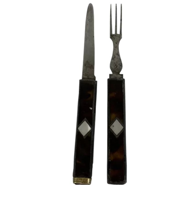 Travel cutlery set - Including certificate - Mother of pearl, Tortoiseshell - Around 1880