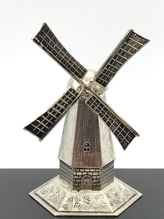 Schoonhoven 1968 - Sturdy Dutch silver miniature Mill with rotating blades. - Silver