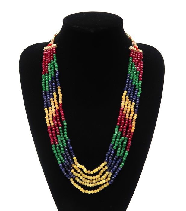 Adjustable necklace composed of 5 rows of polished pearls - Ruby, emerald, sapphire, aventurine - India - 21st century