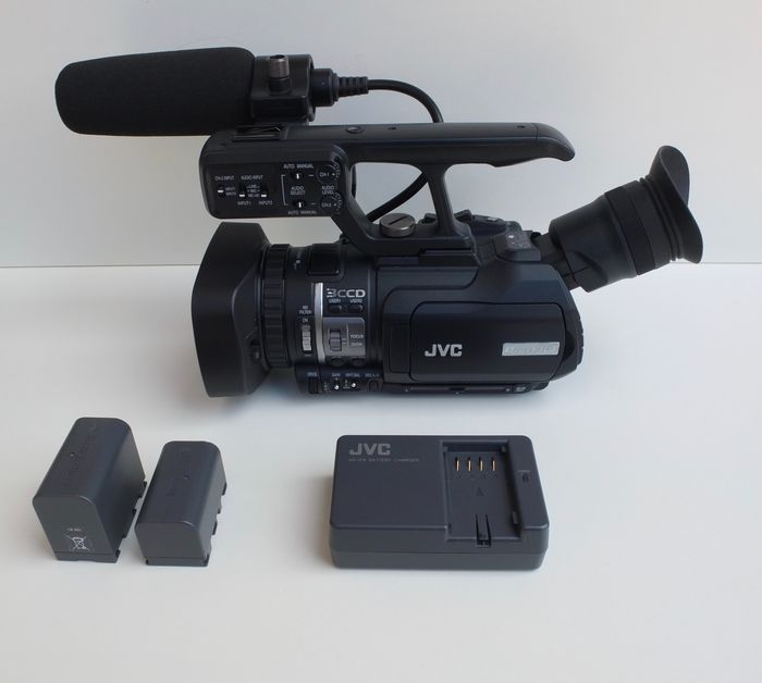 Victor Company of Japan (JVC) GY-HM150E