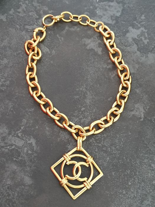 Chanel  Gold-plated - Necklace with pendant