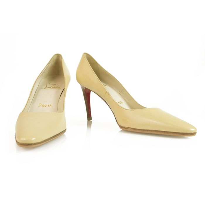 Christian Louboutin Pumps - Maat: FR 36.5