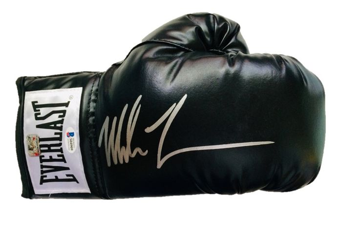 Boxing - Mike Tyson - Boxing glove