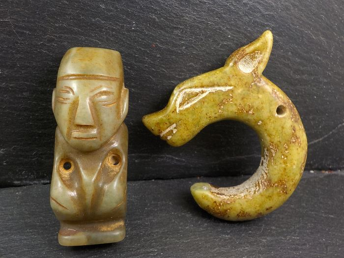 Figurines or Amulets in Hongshan Culture Style (2) - Nephrite jade - China - Second half 20th century