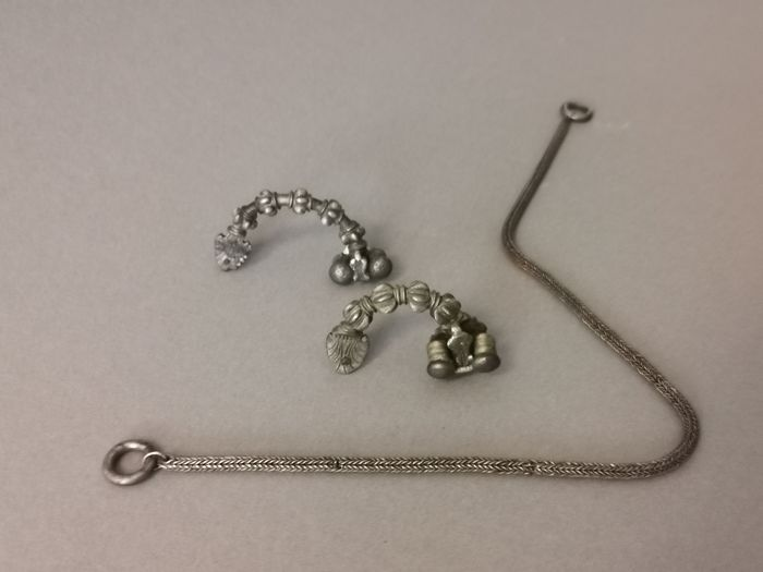 Ancient Greek Silver Set of Fibulae and Chain, ex. Gallery Cahn