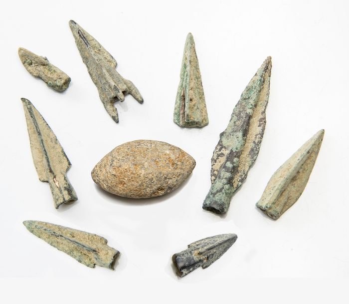 Ancient Greek Bronze and Lead Collection of Arrowheads and Slingshot - 5×1.2×1.1 cm - (9)