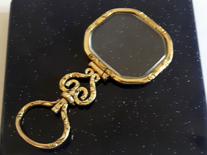 chic ladies magnifying glass (1) - Silver gilt - France - 1819-1838