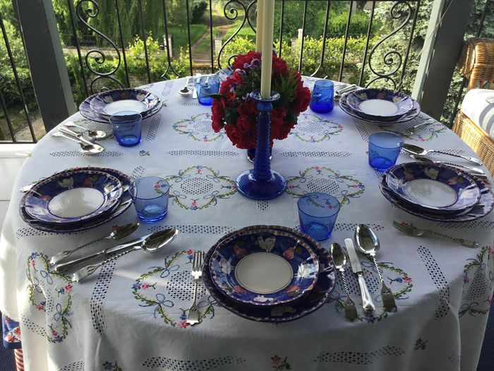 FRENCH VICTORIAN LINEN TABLE LINEN (9) - Linen - First half 20th century