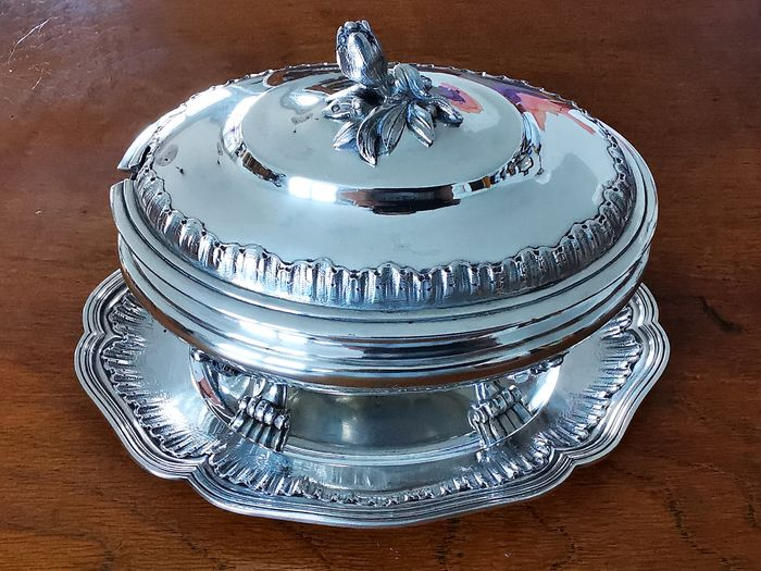 Sauce boat (1) - .950 silver - George Bachelet  - France - 1877