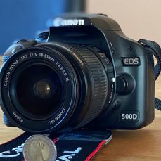 Canon EOS 500D+Canon Zoom Lens EF-S18-55mm