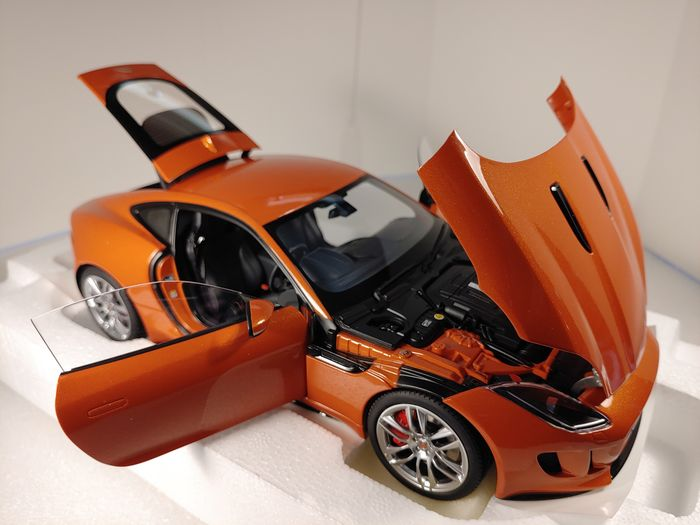 1:18 AUTOart Jaguar F-Type R Coupe firesand orange NEW bei PREMIUM-MODELCARS
