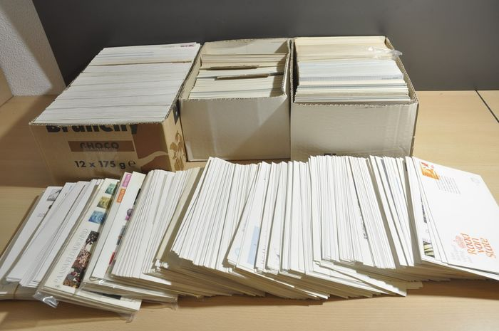 Netherlands - Batch with 100s of Maximum cards and FDCs in 3 boxes and loose