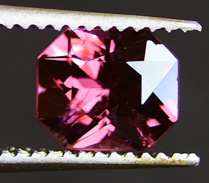 Spinel - 2.33 ct