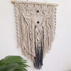 Macrame wall decoration (1)