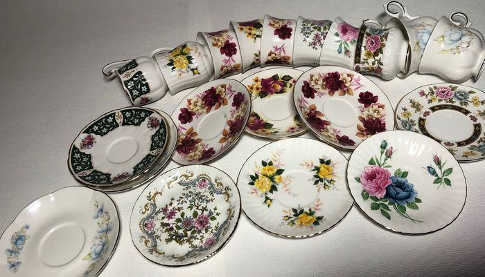 Cups and saucers (10) Paragon & Royals