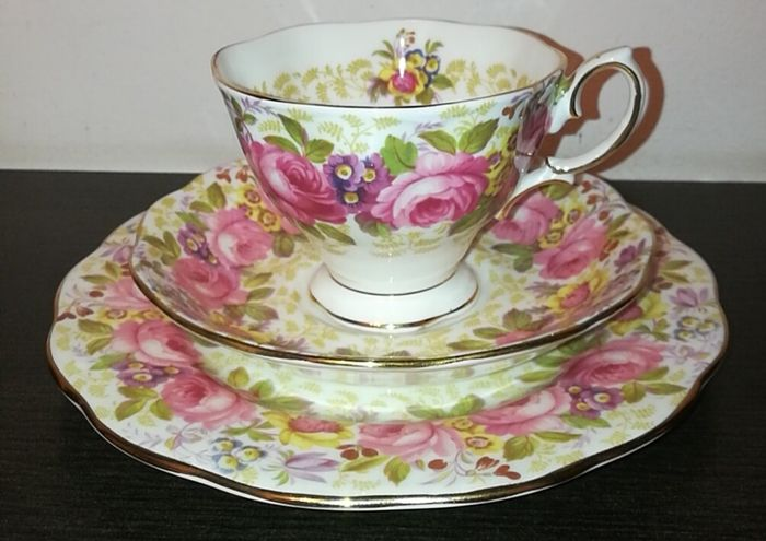 Royal Albert - Serena, coffee cup with dessert plate (3) - Porcelain