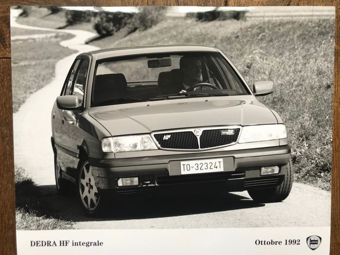 Picture - Lancia Dedra Integrale / Dedra 2000 Turbo official press photos set of 6 + 30 brochures + 38 photos - Lancia - 1980-1990