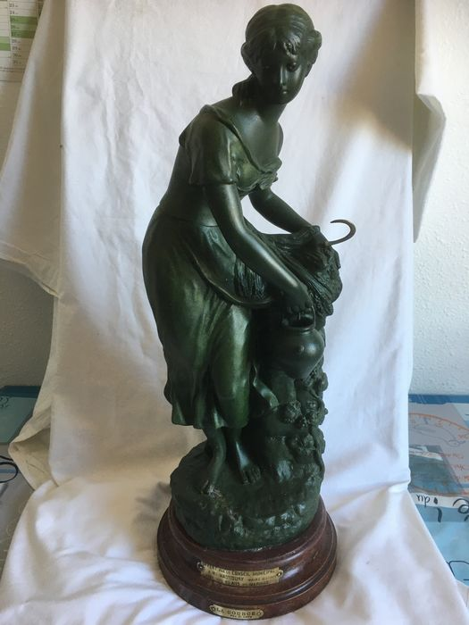 "Attribuée à E. Levy - Sculpture, ""The source"" - 60 cm (1) - Spelter - Early 20th century"